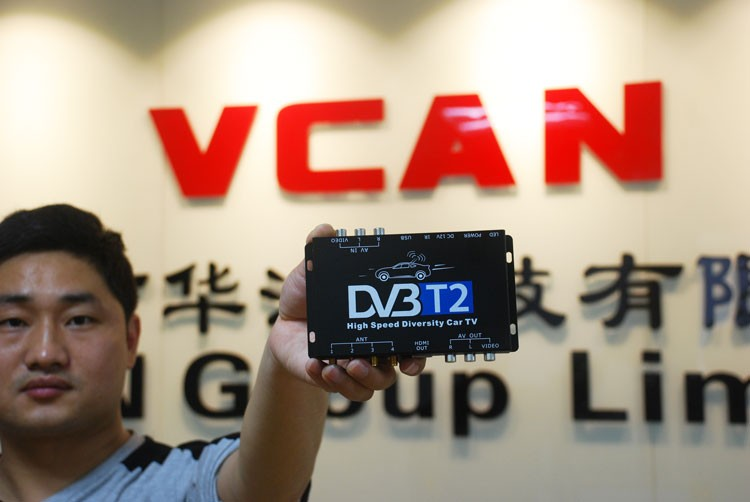 Car DVB-T2 DVB-T High Speed Digital TV Receiver automobile DTV box DVB-T221 6